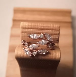 Jewelry - Cubic zirconia statement ring